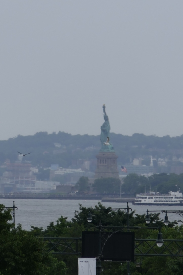 Statue of Liberty (from faaaaar away, 20x zoom)