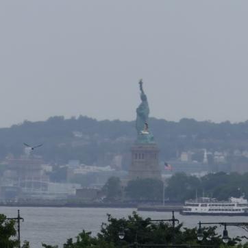 Statue of Liberty (from faaaaar away, 20x zoom)